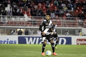 Um gol em terras argentinas e seu nome está eternizado na história da Ponte Preta