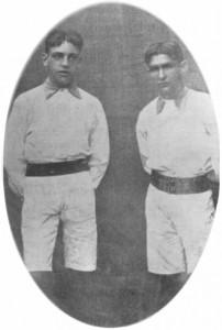 O primeiro uniforme em 1911