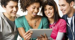 jovens-usando-ipad