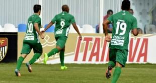 eliandro-marca-primeiro-gol-guarani