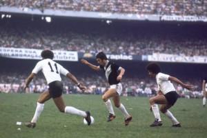 No segundo jogo, diante de 146 mil pessoas, a Macaca venceu por 2 a 1